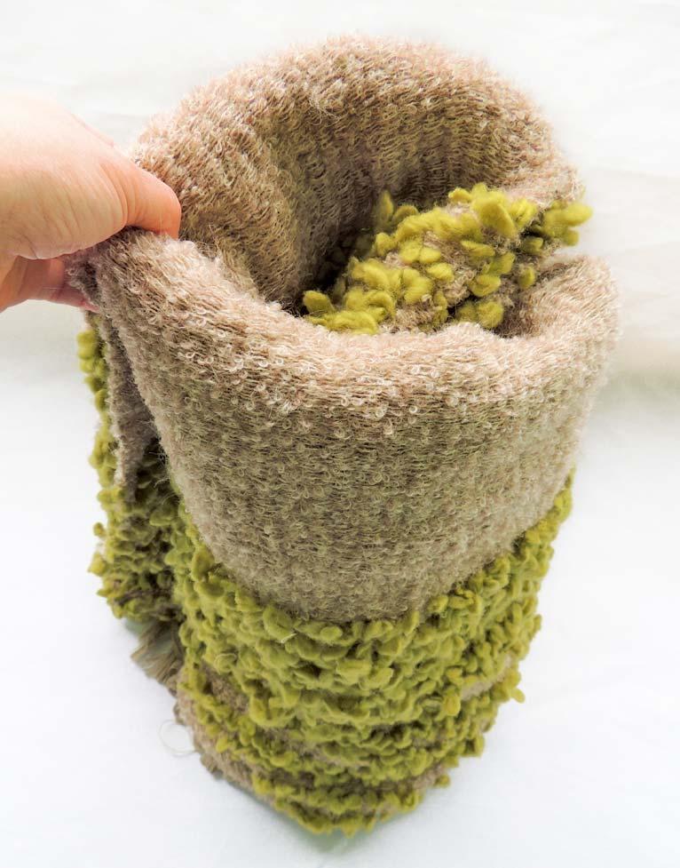 Manta de fabricación artesanal colección Fueguitos en lana merina
