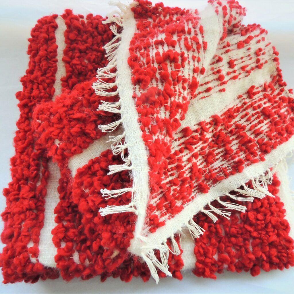 manta artesanal hecha a mano los fueguitos rojo